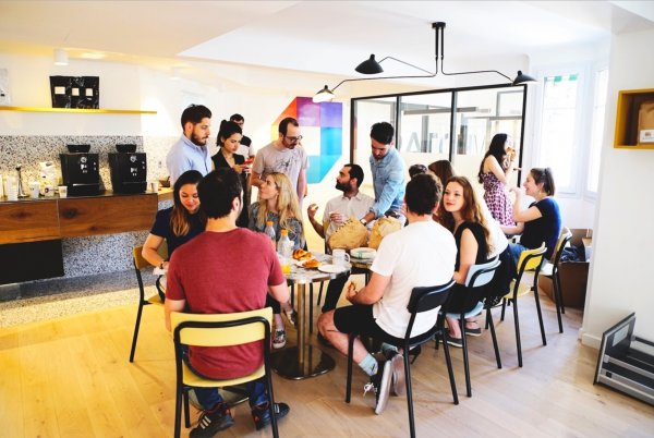 Community Manager Germany 6 month internship Paris Office Offer